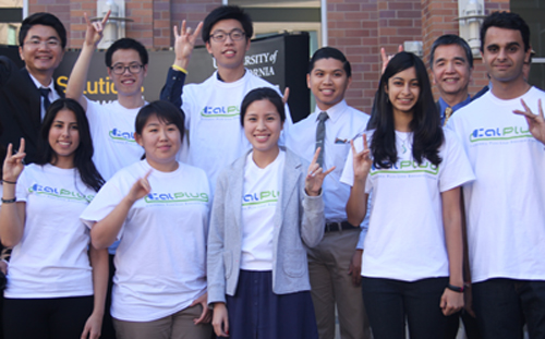 CalPlug manager Arthur Zhang (back left) and Calit2 Irvine Director GP Li (back right) join CalPlug  student researchers in show of team pride with a group Rip 'Em Eaters hand sign.